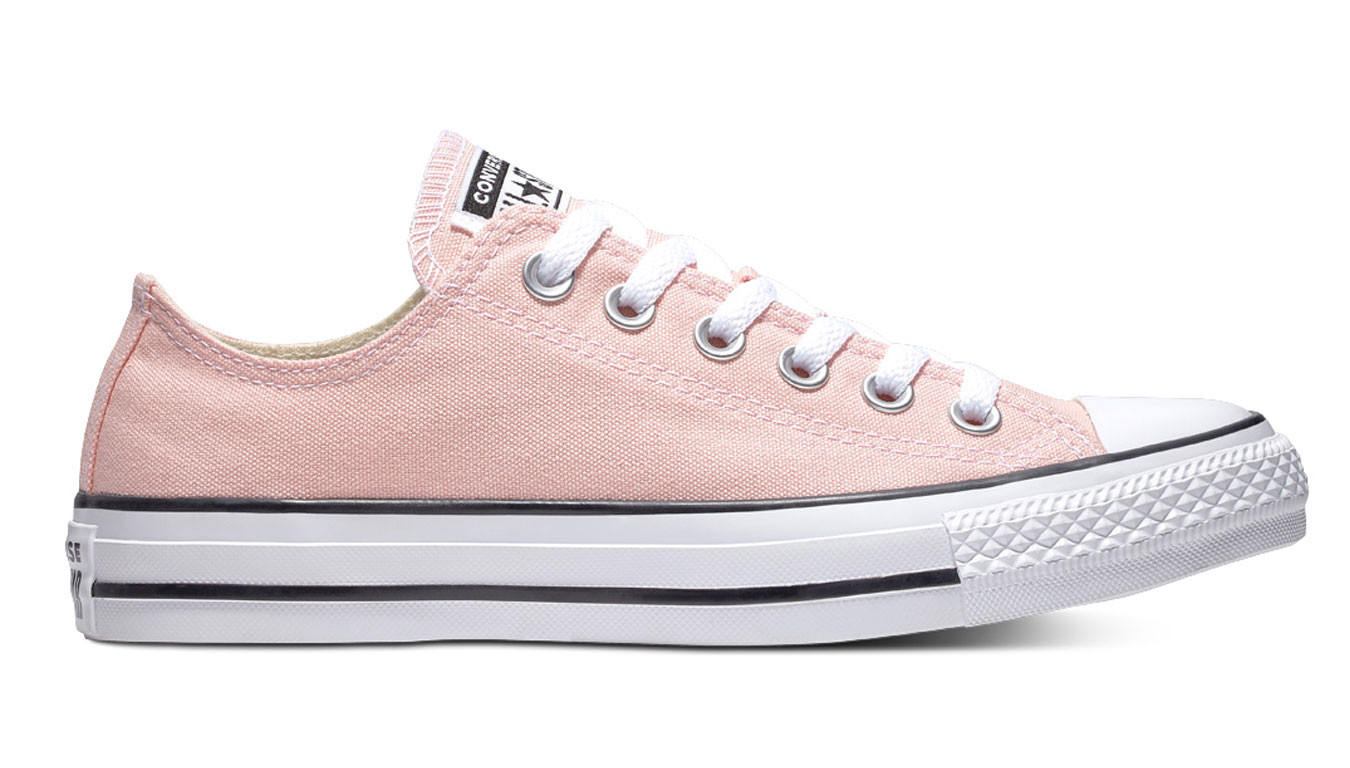 Converse Chuck Taylor All Star Classic Low Top Storm Pink