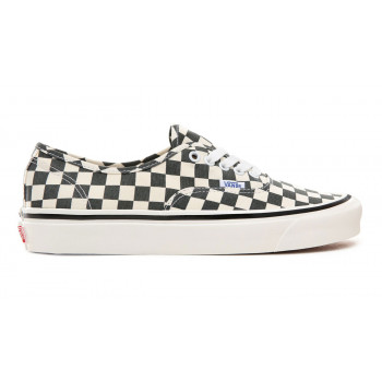 Vans Authentic, retro good value sneakers. Do you want them