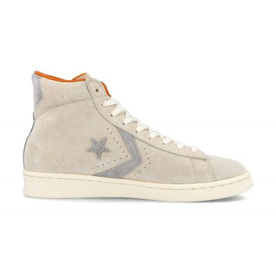 Converse Pro Leather x Bugs Bunny